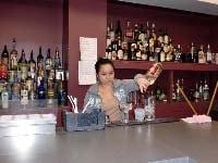 Leonarda Bartender School Graduate
